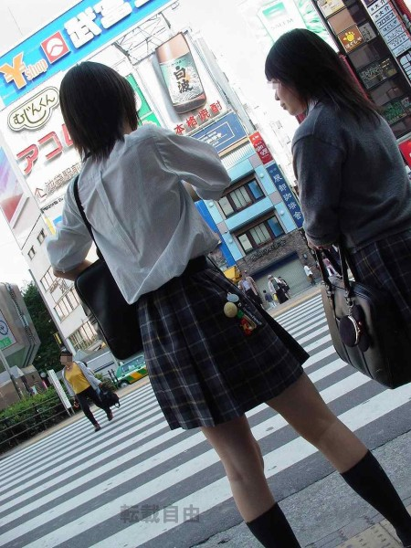 JKたちの透けブラ (2)