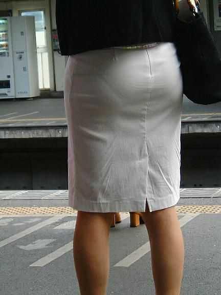お尻から透けパン (6)