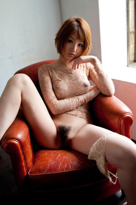 マン毛を見せる女性 (18)