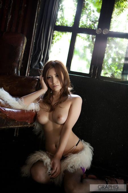 美人で巨乳の、椎名ゆな (16)