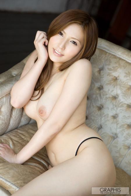 美人で巨乳の、椎名ゆな (18)