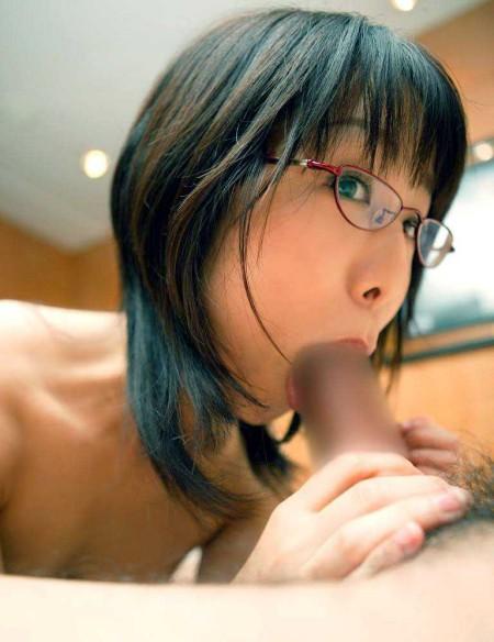 眼鏡をかけた女性たち (12)