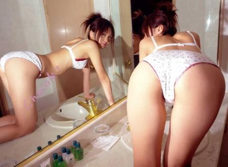お尻が綺麗な女性 (5)