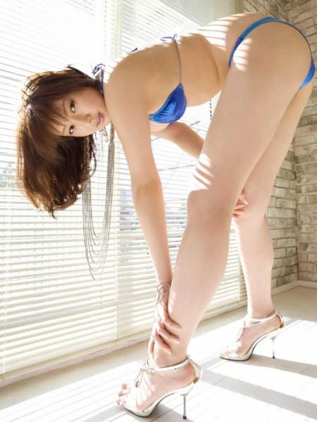 脚やフトモモが素敵 (8)
