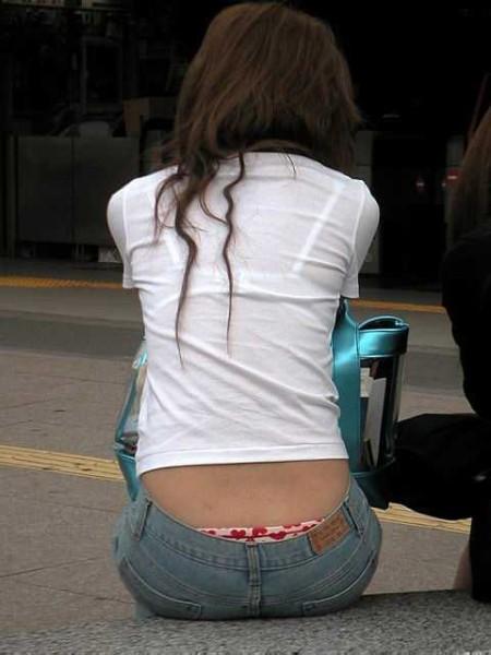 パンツや尻が見えた (14)