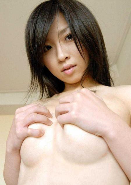溢れ出る巨乳 (3)