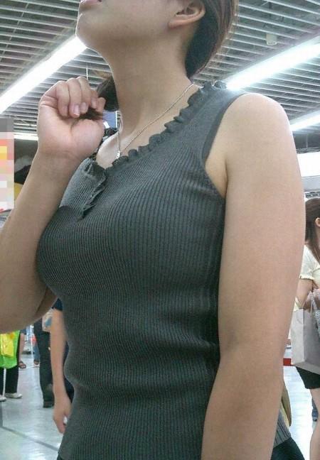 着衣巨乳がスゴい素人 (15)