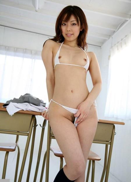 小さくて可愛らしい貧乳 (18)