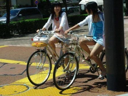 自転車パンチラ (10)