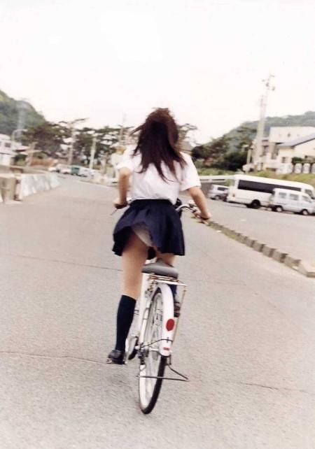 自転車パンチラ (20)
