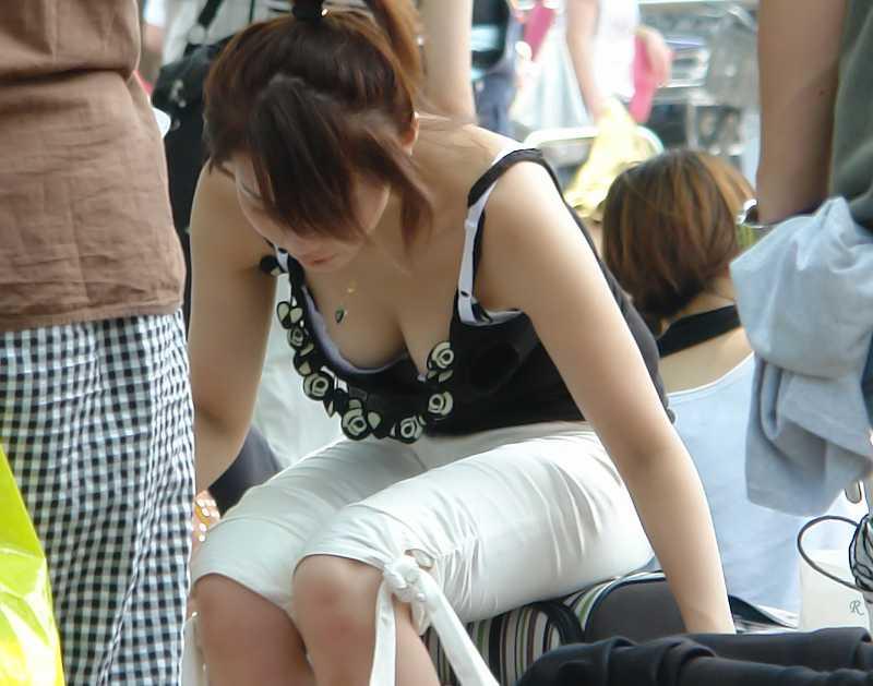 着衣でもデカい巨乳 (8)