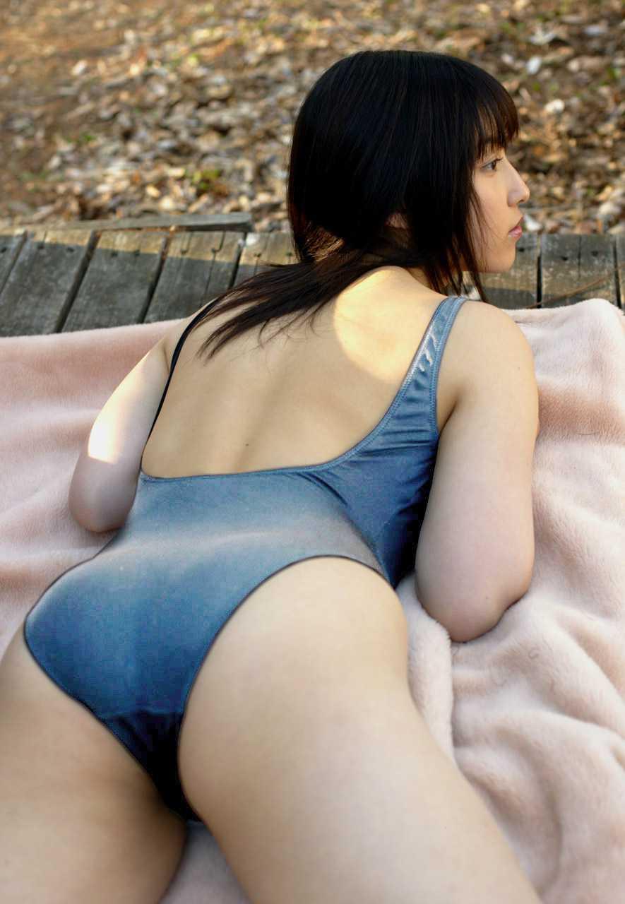 丸みが綺麗なオシリ (17)