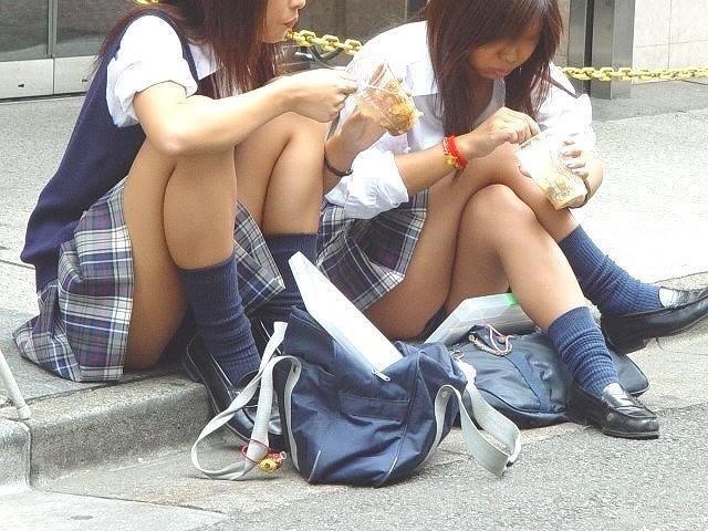 女子校生のパンチラ姿 (2)