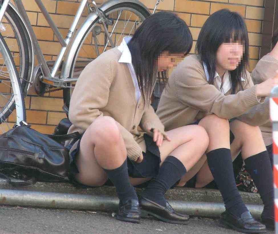 女子校生のパンチラ姿 (6)