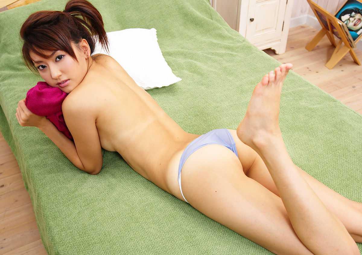 細身で美乳な、篠崎ミサ (9)