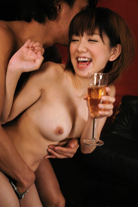 揉みごろサイズの美乳 (4)