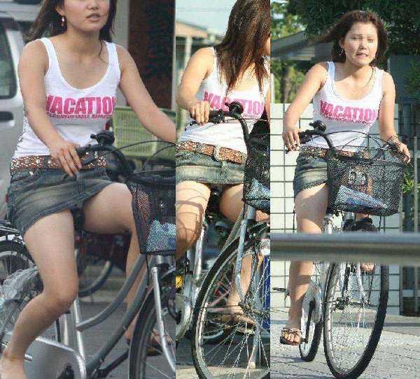 自転車に乗ってパンチラ (18)