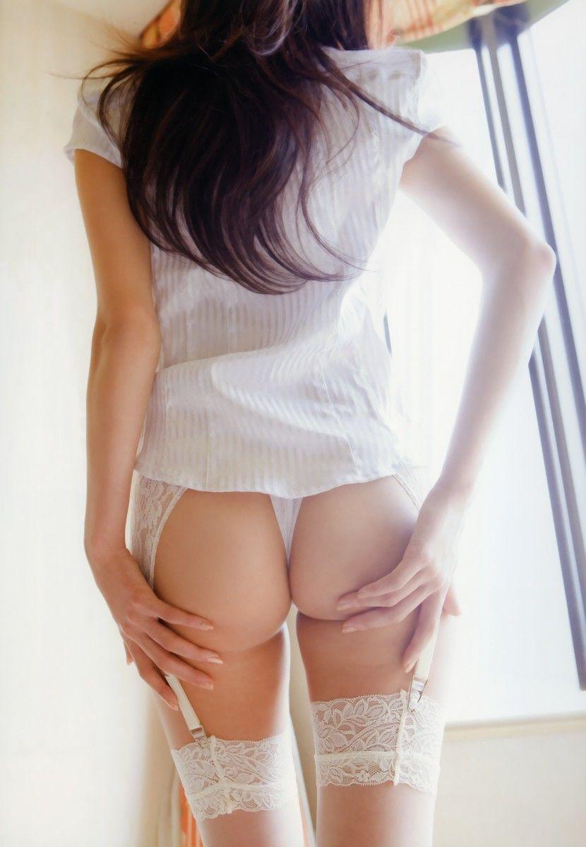 お尻の曲線美 (2)