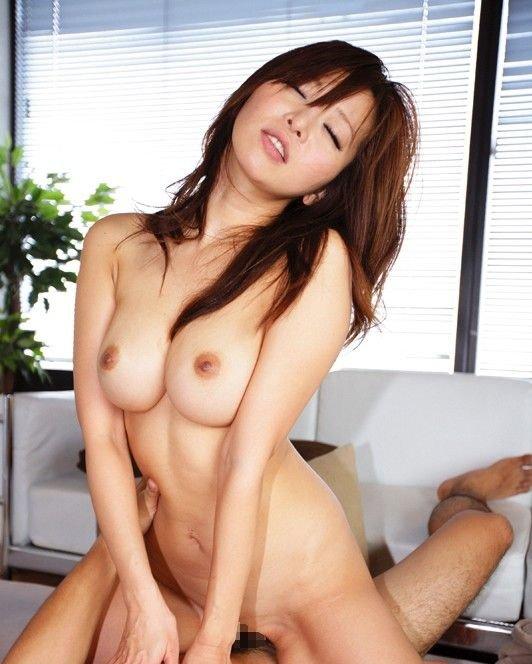 巨乳を揺らしてハメられる、KAORI (1)