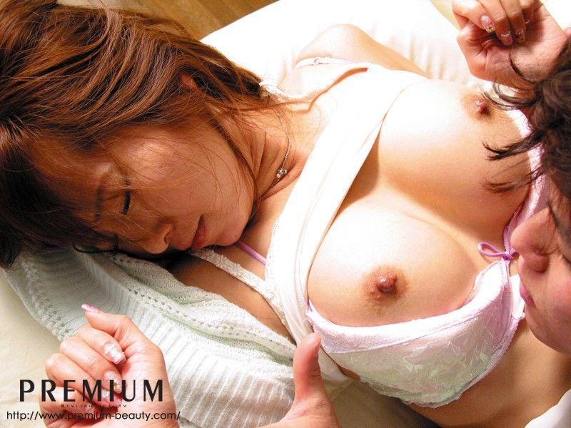 巨乳を揺らしてハメられる、KAORI (2)