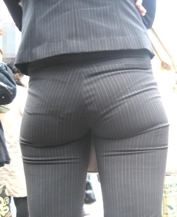 パンツが透けてますよ (3)