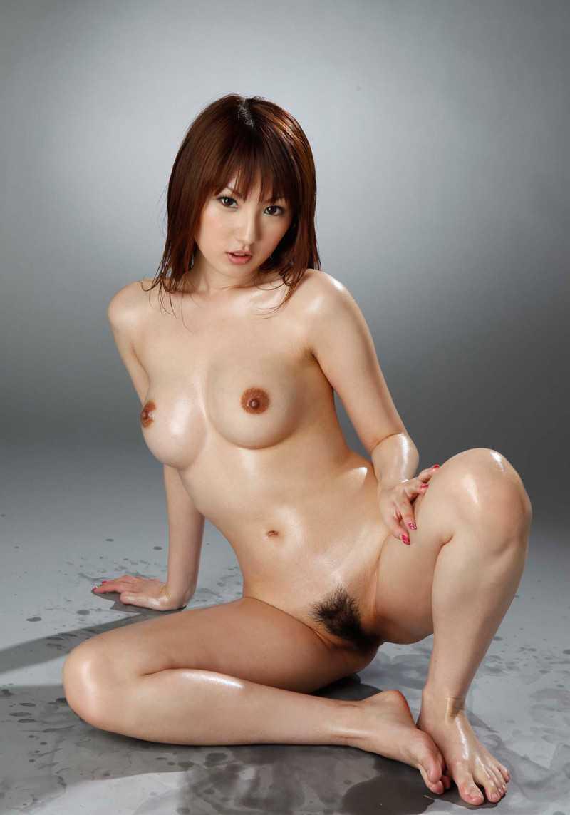 女性の陰毛がモロ見え (18)