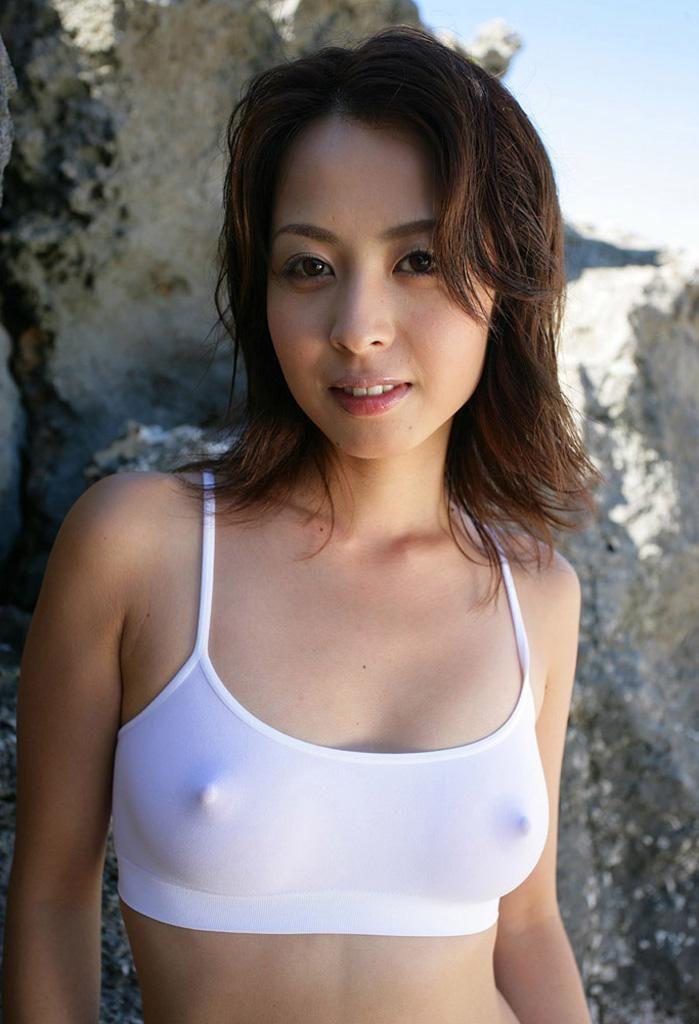 乳首が透けてる (3)
