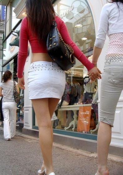 パンツが透けてる (3)
