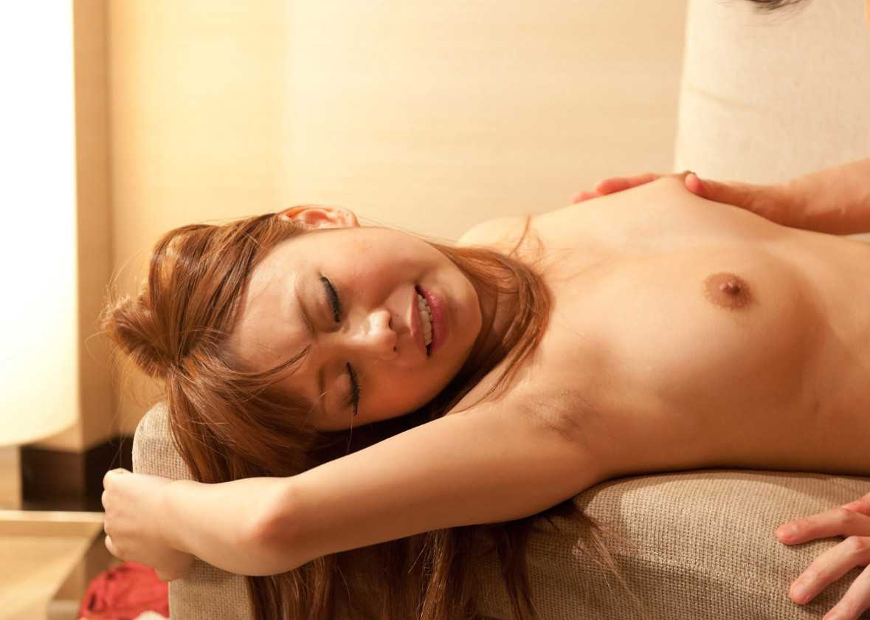 女性の腋の下 (3)