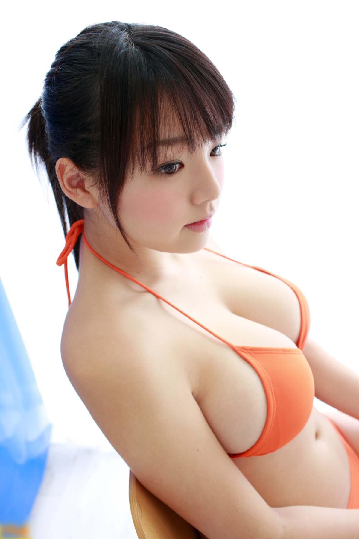 むっちりボディの、篠崎愛 (2)