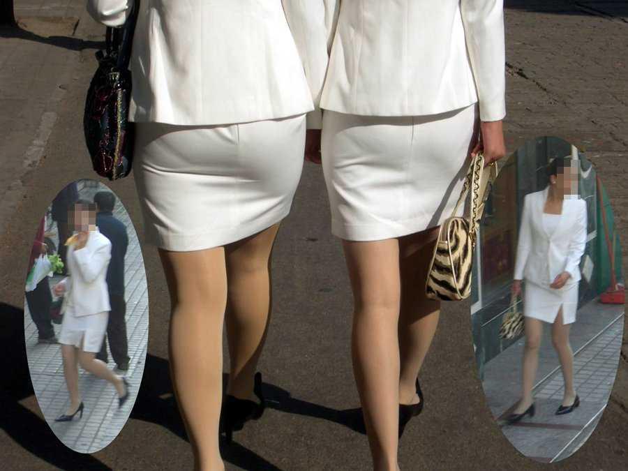 パンツが透けてる女性 (14)
