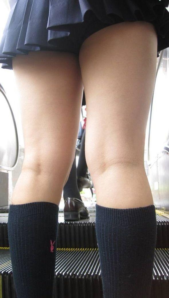 JKのパンツと太腿 (6)