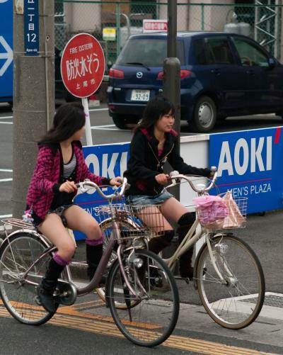 自転車でパンツ見せ (4)