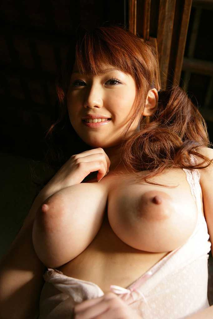 美形の巨乳 (1)