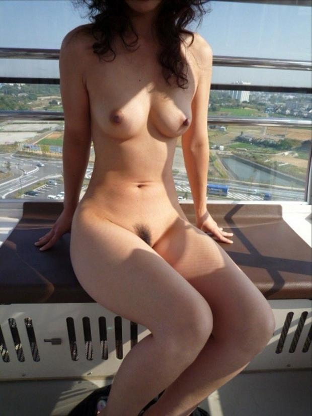 お外で裸になる (10)
