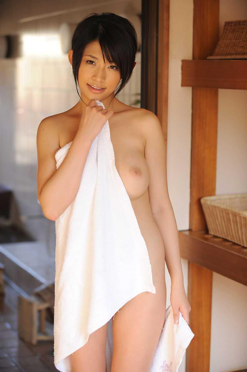 今は女優の、範田紗々 (19)