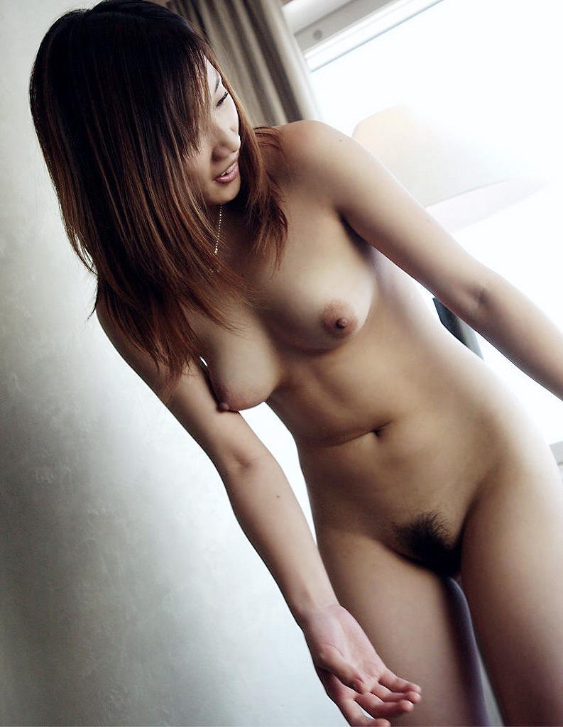 ヌード女性の美乳 (4)