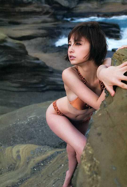 エロい体の、篠田麻里子 (15)