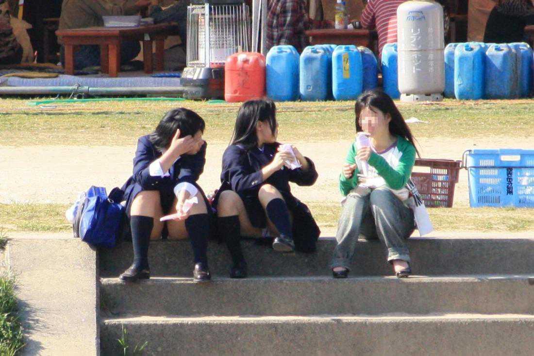 女子校生のパンツ (17)