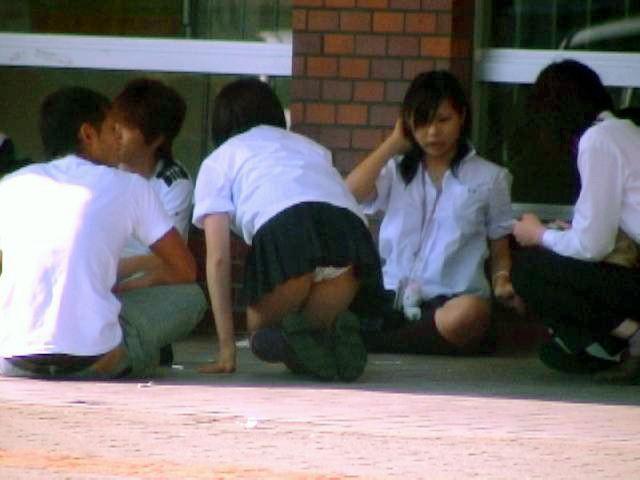 女子校生のパンツ (16)