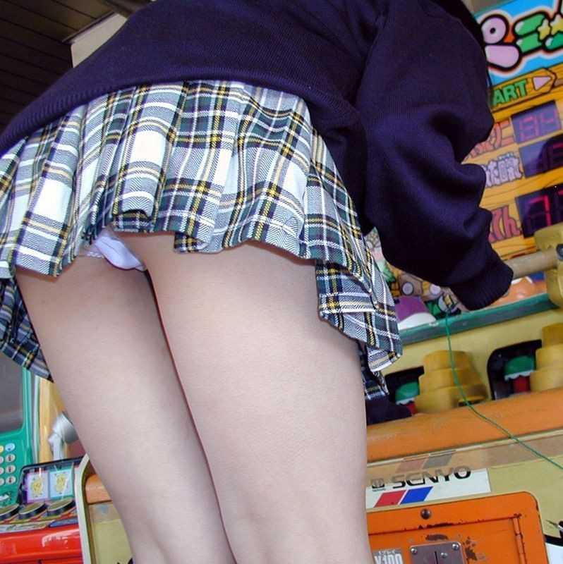 女子高生がパンツ見せ (10)