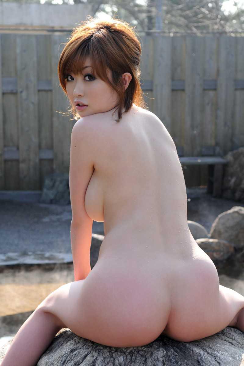 風呂にはいる女性 (17)