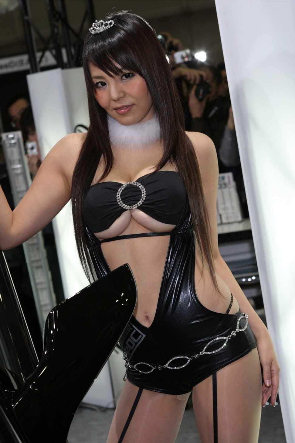 セクシー衣装のコンパニオン (20)