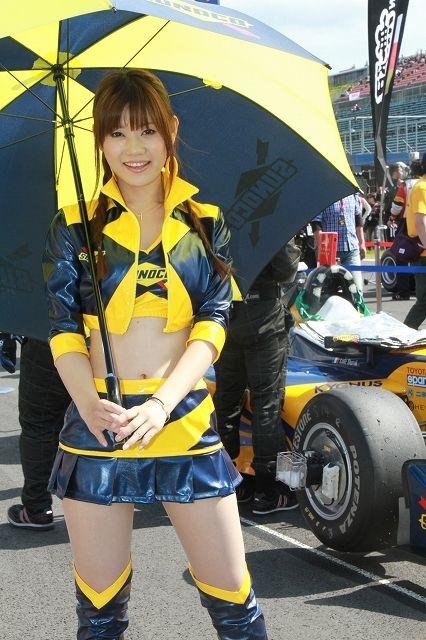 セクシー衣装のコンパニオン (8)