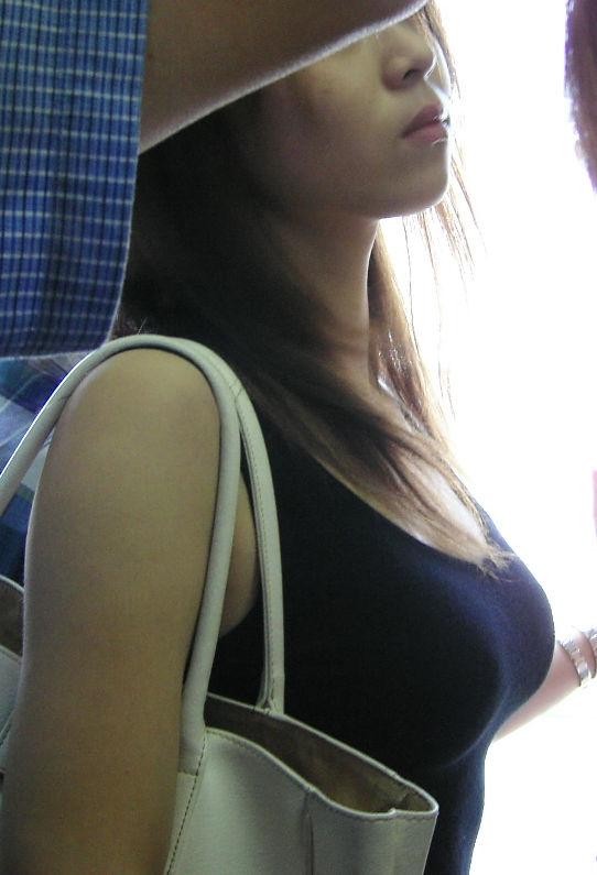 デカパイの女 (4)