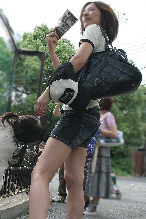 ショートパンツが健康エロ (15)