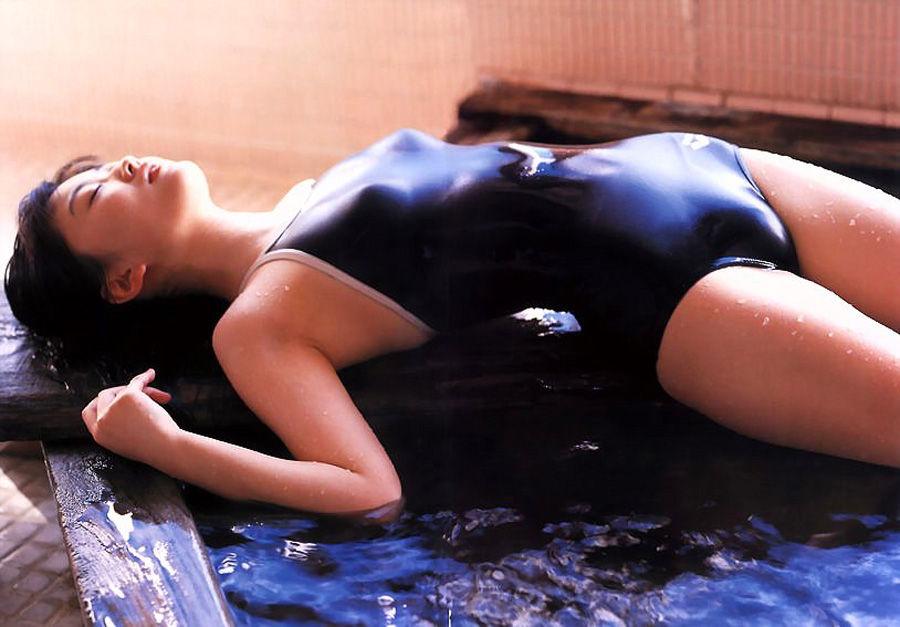 競泳水着もセクシー (4)