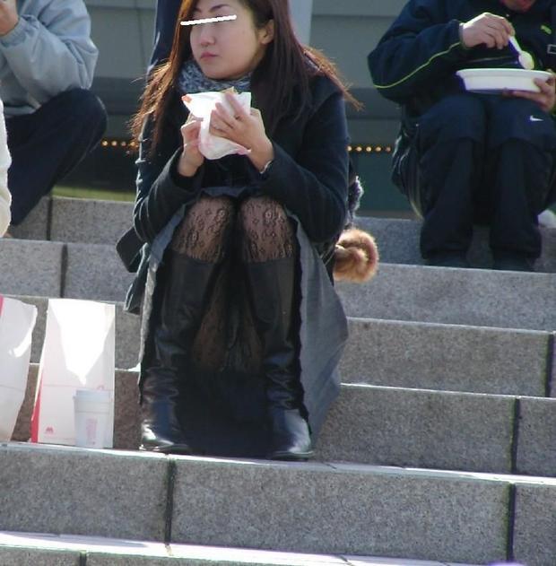 座ると注意 (4)