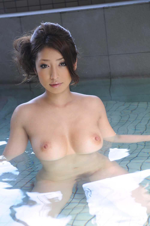 お風呂で寛ぐ (16)