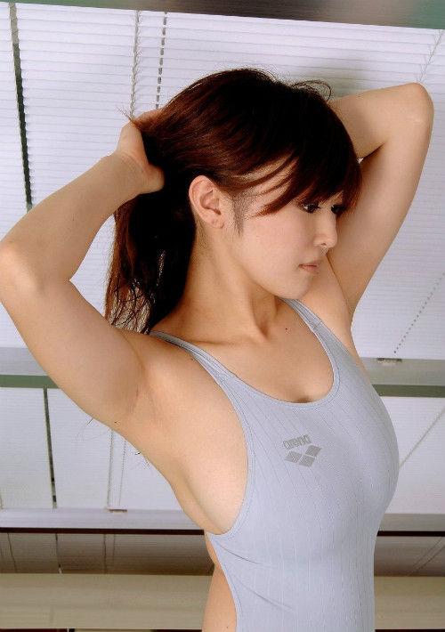腋の独特のセクシーさ (5)